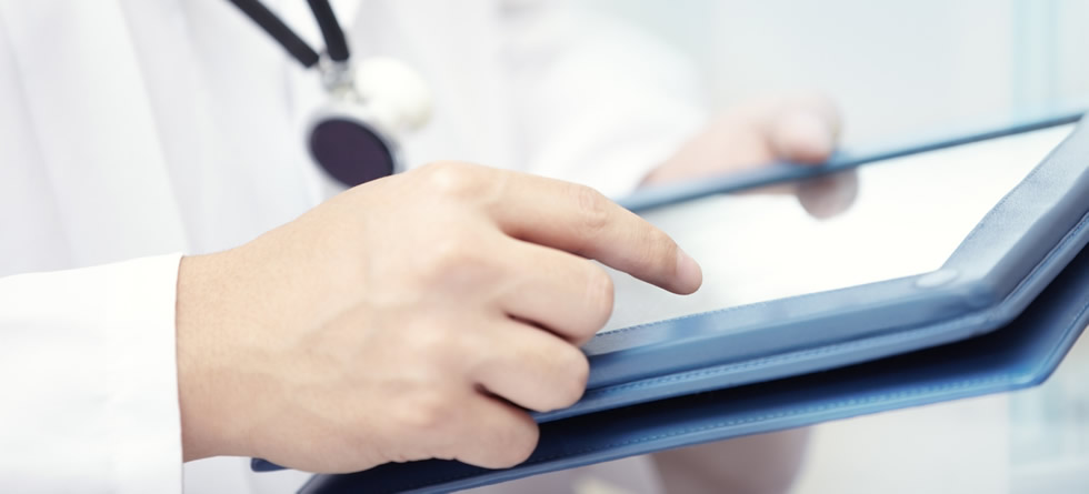 doctor-with-tablet-computer